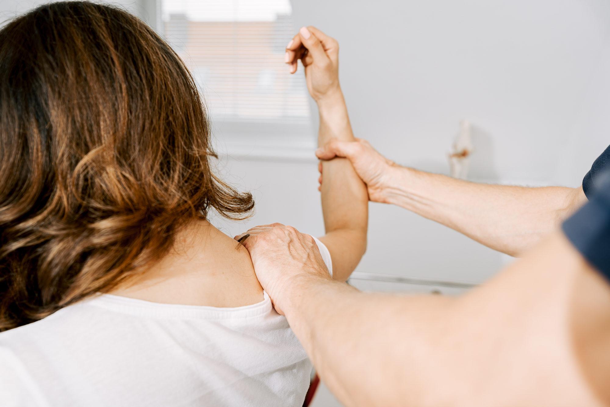 Schulterschmerzen: Was hilft gegen eine Kalkschulter..